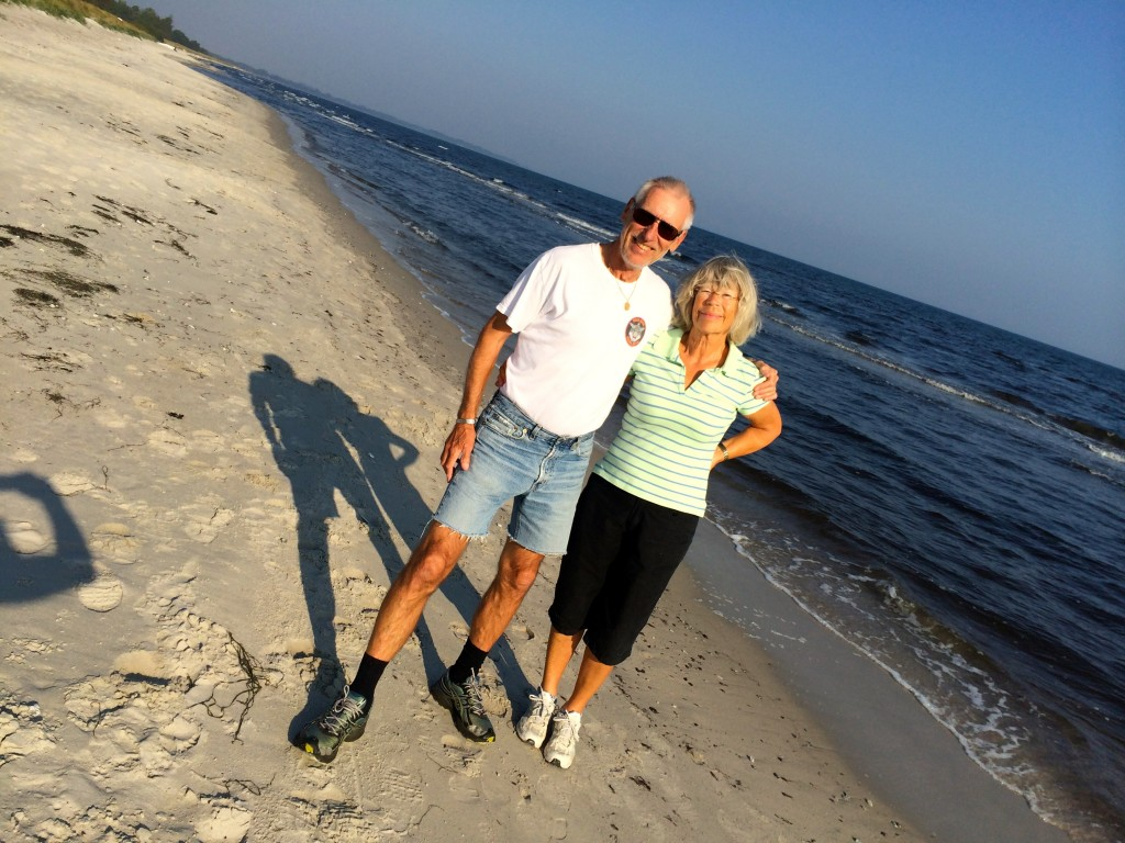 This was a very nice beachwaling kind of couple. They recognized me from the local newspaper. I bragged for a while. They walked home...