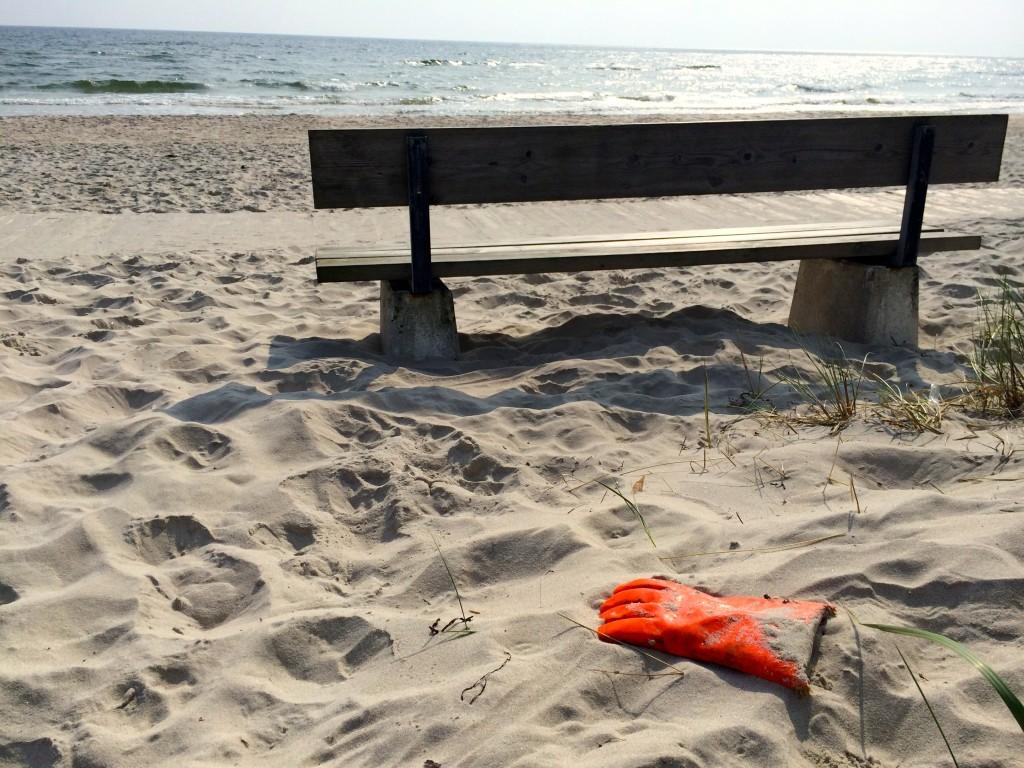 Glove beach