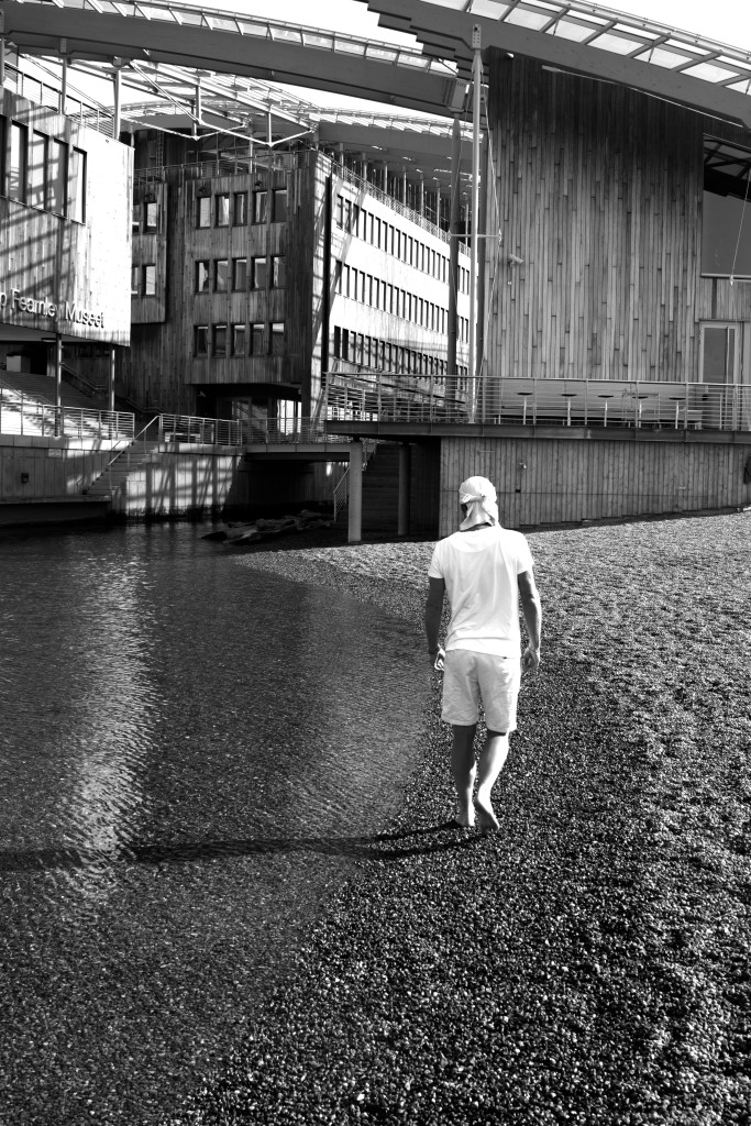 Sometimes I look on my back at the beach in Akkers Brygge in Oslo. Pictured by the very best photographer, Kristian Jøraandstad